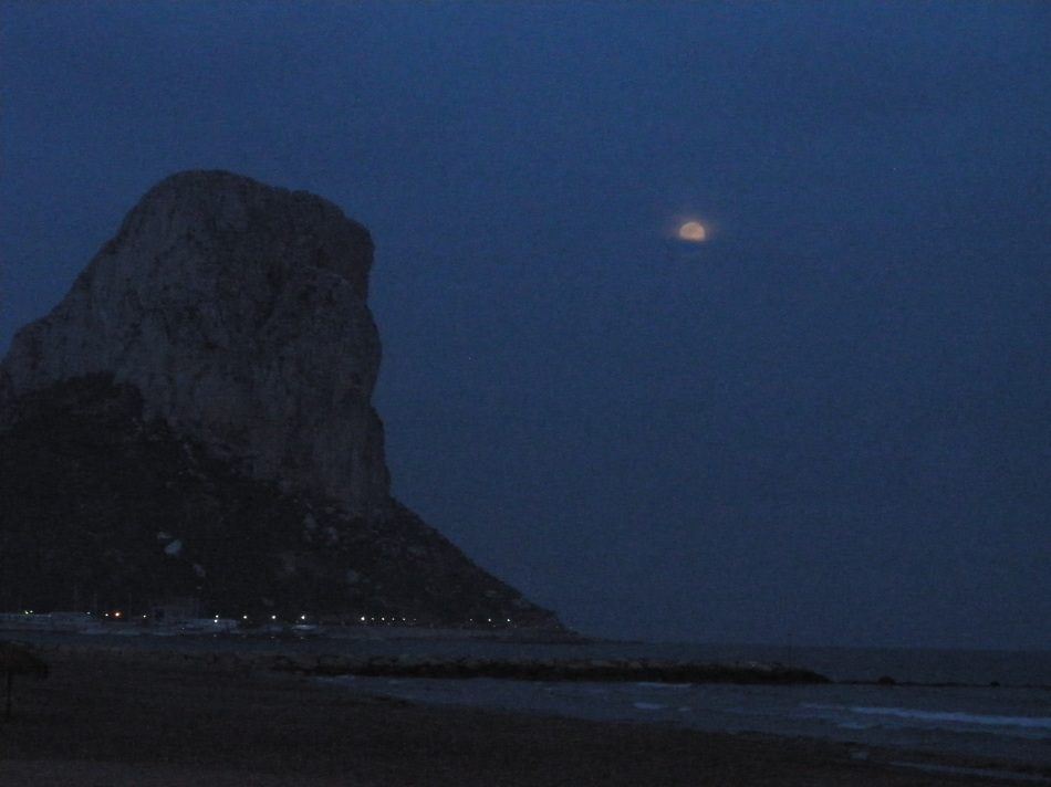 Moon rise in Calpe